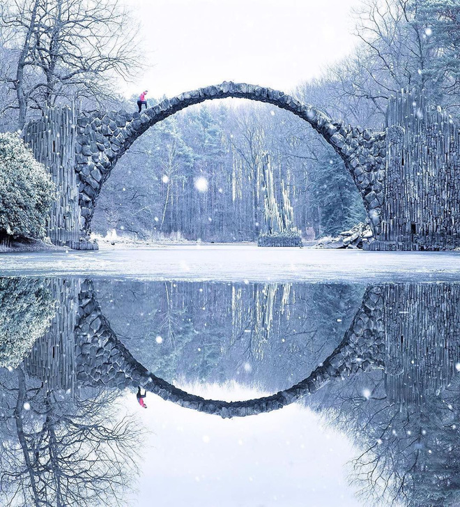 Chùm ảnh mùa đông băng tuyết trắng xóa phủ khắp vạn vật đẹp đến mê hồn, trông như khung cảnh trong truyện cổ tích - ảnh 6