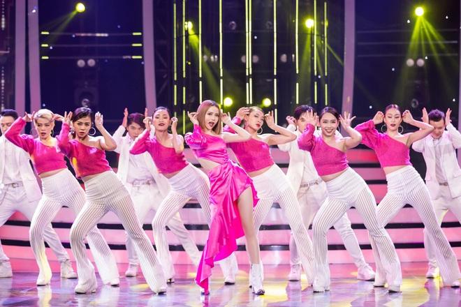 Giả 4 nữ ca sĩ hàng đầu Vpop, Nhật Thủy ẵm ngay ngôi Quán quân Gương mặt thân quen 2019! - ảnh 11