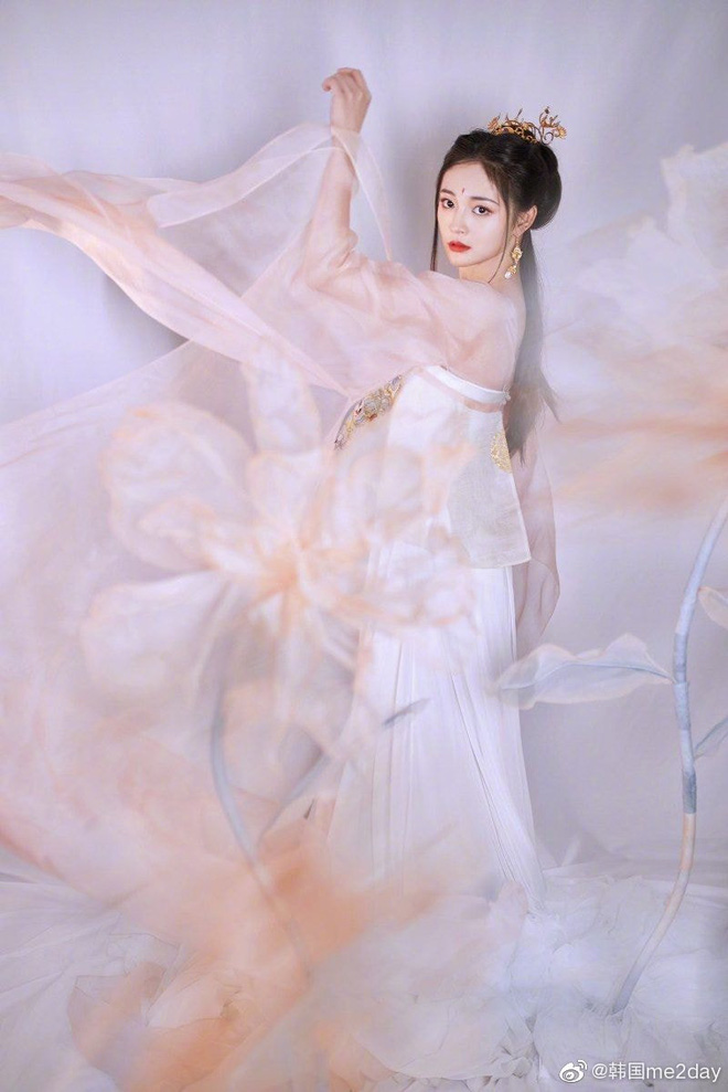 Visual đỉnh nhất Produce 101 gây bão với bộ ảnh cổ trang nhưng netizen lại chú ý tới phốt thái độ trong quá khứ - Ảnh 4.