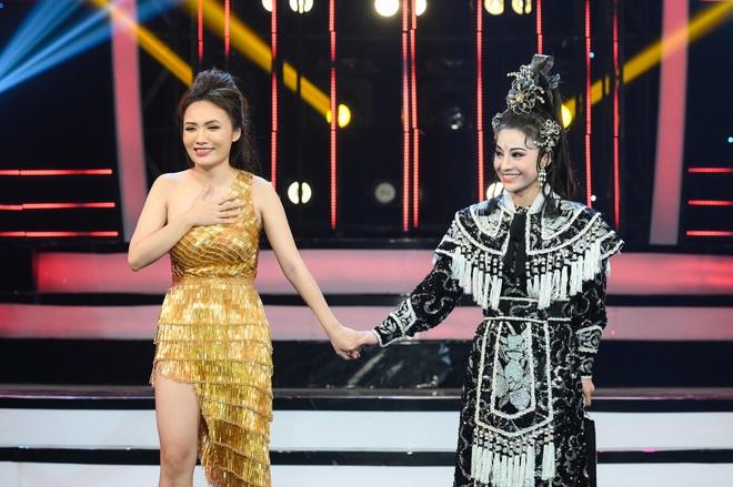 Giả 4 nữ ca sĩ hàng đầu Vpop, Nhật Thủy ẵm ngay ngôi Quán quân Gương mặt thân quen 2019! - ảnh 1
