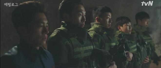 Nghe tin Son Ye Jin bị dọa giết, Hyun Bin bỏ việc chạy luôn sang Hàn Quốc đoàn tụ crush ở tập 10 Crash Landing on You - ảnh 8