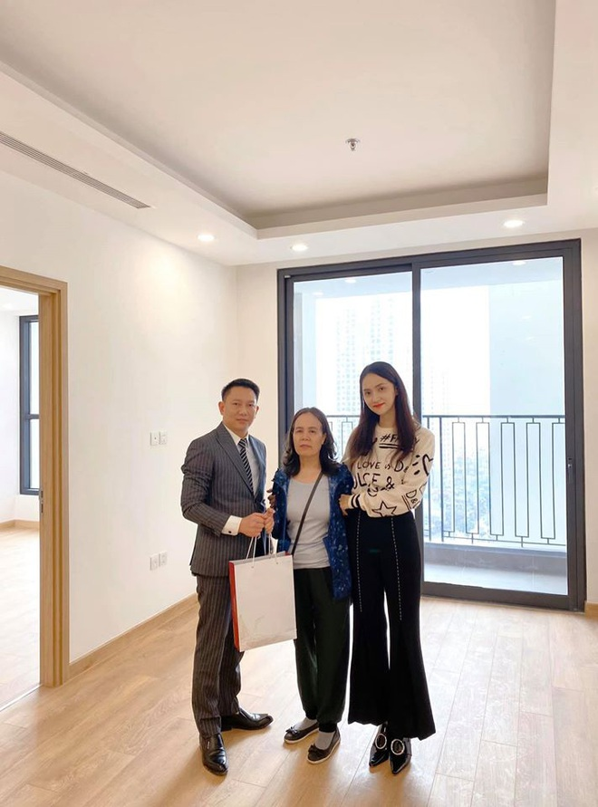 Chơi lớn như Hương Giang ngày cận Tết Nguyên Đán: Mạnh tay mua nhà view toàn thành phố tặng sinh nhật mẹ - ảnh 1