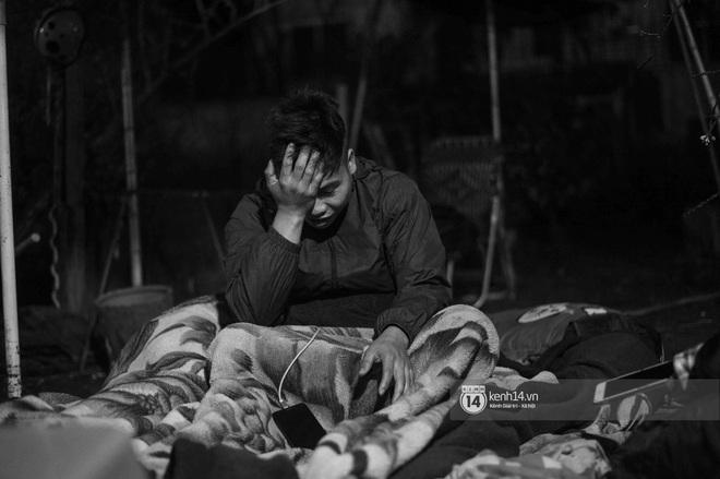 Những người nông dân chong lều canh đào, quất giữa cái lạnh 14 độ C của Hà Nội: Như đánh một canh bạc, bại nhiều hơn thắng - ảnh 14