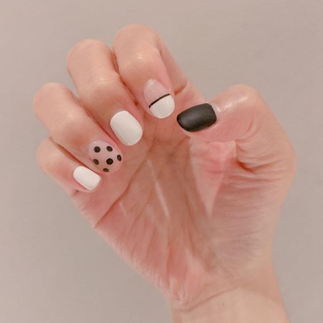 Để Tết này thêm chanh sả, bạn hãy bắt chước ngay những mẫu nail sang xịn từ loạt sao châu Á sành điệu - ảnh 21