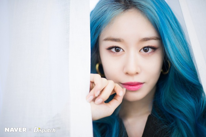 Tung bộ ảnh tóc xanh đẹp xuất thần, Jiyeon gây sốt MXH, khiến dân tình tiếc nuối: Biết thế nhuộm tóc xanh chơi Tết - ảnh 8