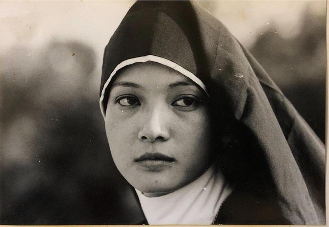 Nghệ sĩ Lê Khanh gây bão với bộ hình trở lại sau 20 năm, nhan sắc đến giờ vẫn đủ khiến hội mỹ nhân hậu bối phải dè chừng - ảnh 5