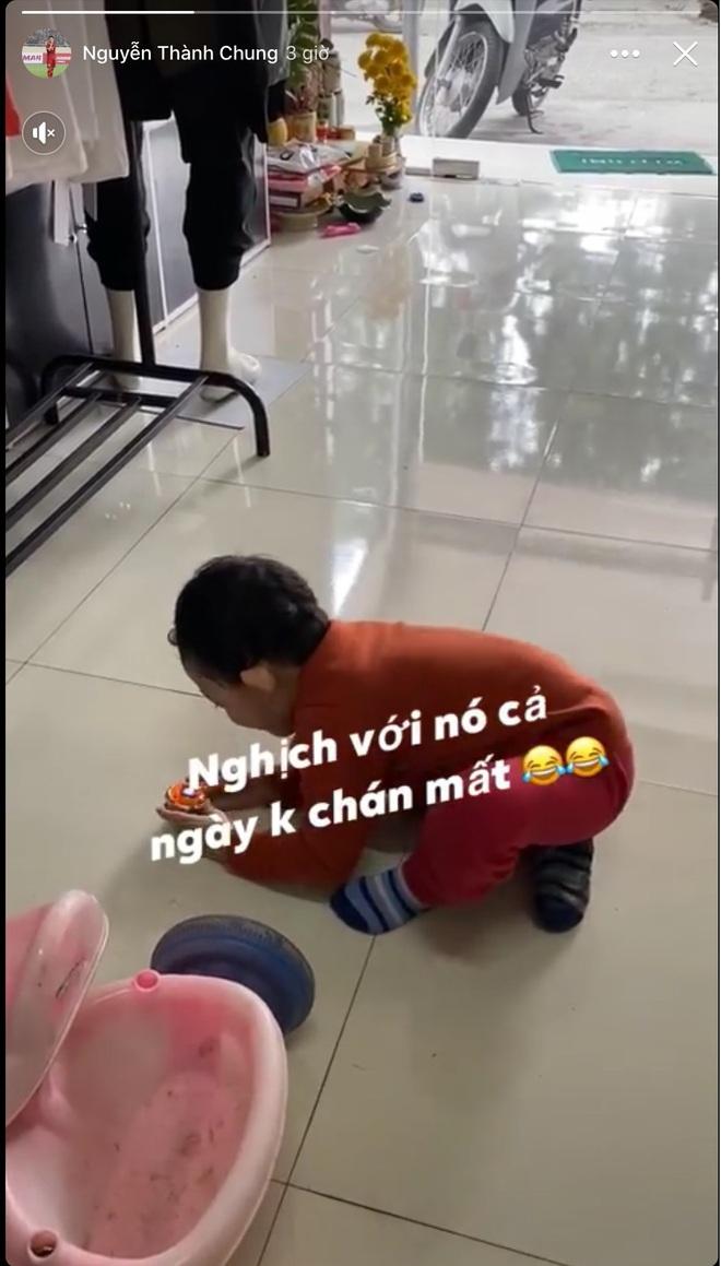 Phan Văn Đức về nhà vợ phụ gói bánh chưng, Hà Đức Chinh giữ dáng đón Tết 2020 - ảnh 5