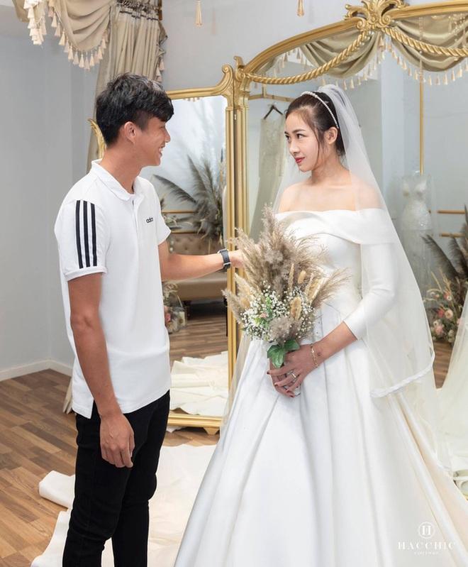 Bạn gái tin đồn của Quang Hải khoe nhận được thiệp cưới Văn Đức - Nhật Linh: Dàn khách mời khủng hé lộ từ đây? - ảnh 3