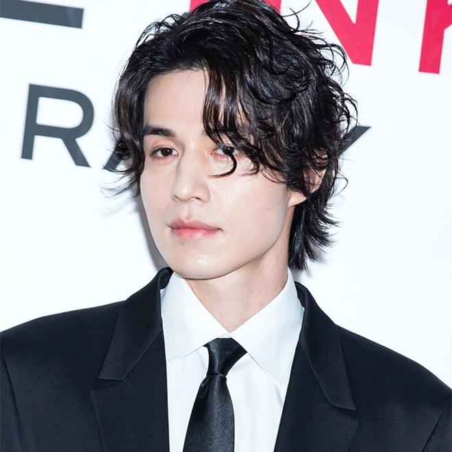 Lee Dong Wook sở hữu gen Siberia hiếm tới mức chỉ 1% người Hàn có được, bảo sao đẹp cực phẩm đến vậy - ảnh 3