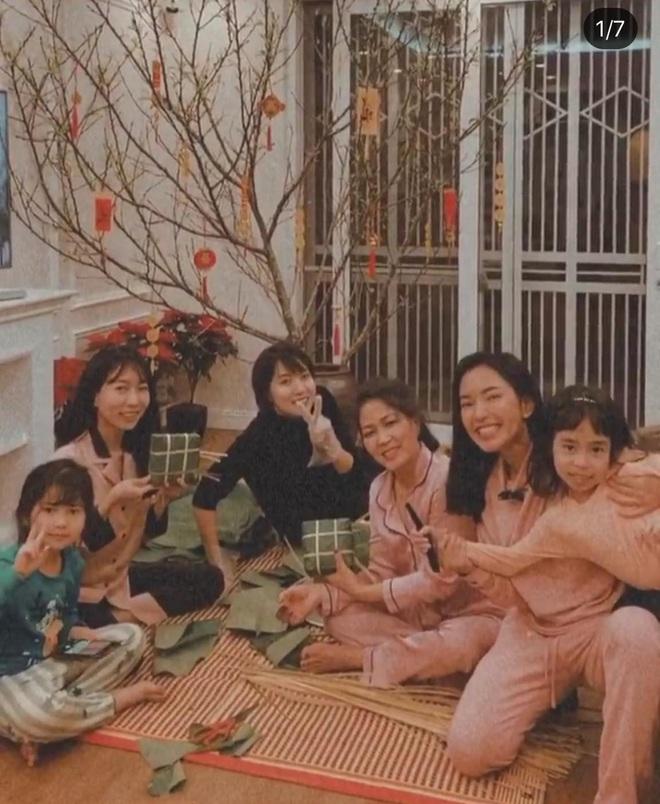 30 Tết của dàn hot girl Việt: Người khoe tài gói nem cực khéo, người chẳng phải làm gì tung tăng dạo phố cuối năm thấy mà thèm - ảnh 1