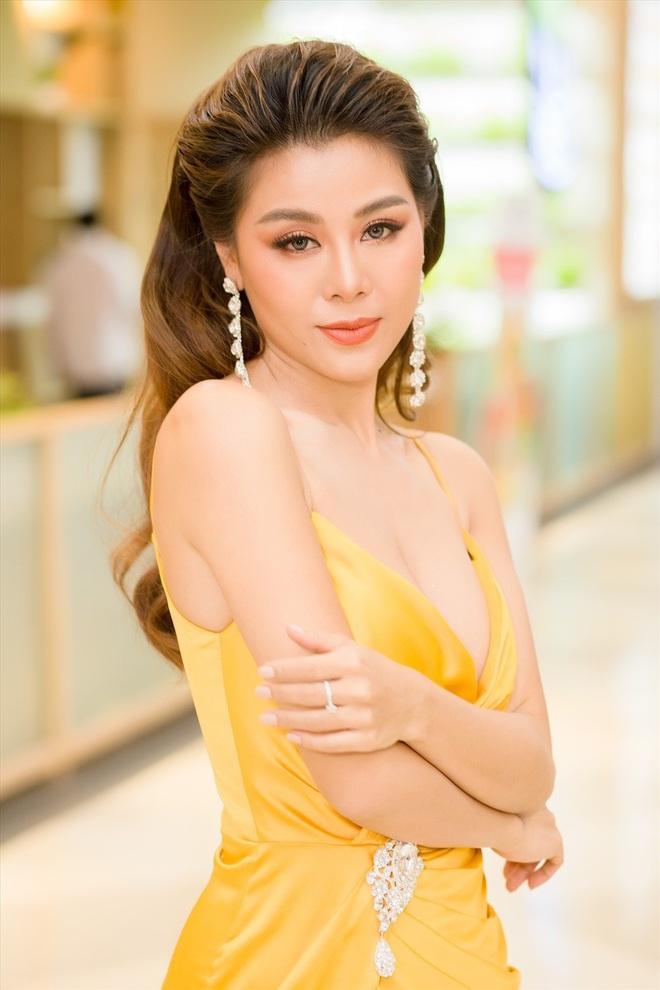 Sao Việt trước thềm giao thừa 2020: Người canh bánh trưng, người hết tất bật chạy show lại đón Tết bên trời Tây - ảnh 8