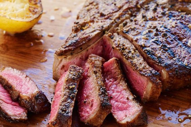 Bác sĩ khuyến cáo: Nếu không muốn ăn Tết hại tới sức khoẻ, có 5 loại đồ ăn quen thuộc mà bạn không nên đun đi đun lại - ảnh 6
