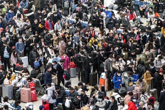 Hàng tỷ người châu Á đếm ngược đón giao thừa, những khung hình đầy 'chất Việt' xuất hiện độc đáo trên CNN - ảnh 5