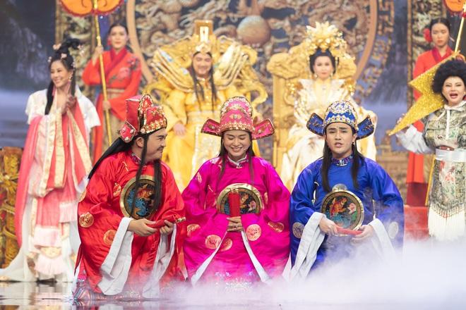 Táo Xuân 2020: Cẩm Ly cosplay Bà Tân, bé Sa - Á hậu Kiều Loan hóa rapper Tiên Vâu - ảnh 4