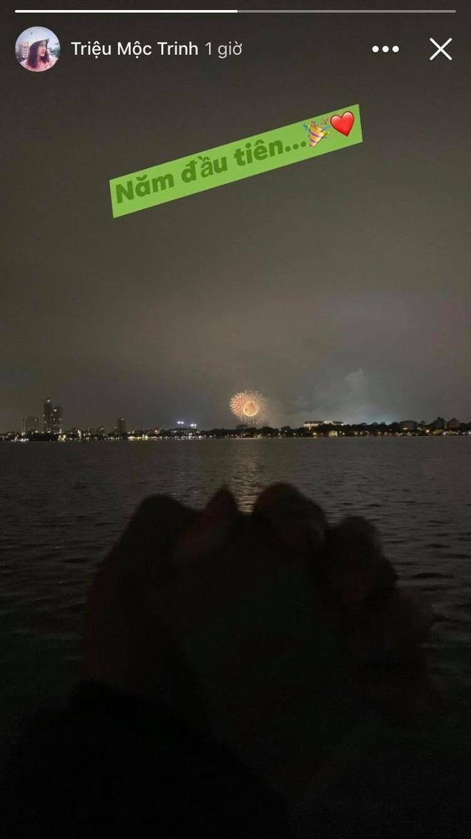 Đêm giao thừa ngọt ngào của hội tuyển thủ Việt Nam: Văn Hậu gọi video với bạn gái từ trời Âu, Văn Đức miệt mài gọi vợ dậy đón năm mới - ảnh 5