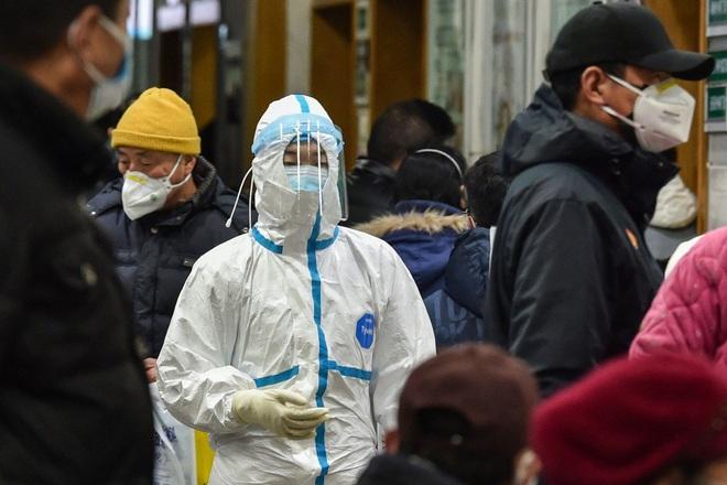 Tiết lộ bất ngờ về virus Vũ Hán: Ca nhiễm bệnh đầu tiên KHÔNG PHẢI đến từ chợ hải sản - ảnh 1