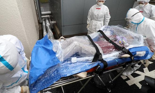 Cập nhật dịch viêm phổi Vũ Hán: Đã có 80 người chết, hơn 2700 trường hợp nhiễm virus, lan ra nhiều quốc gia và đến giờ vẫn chưa có vaccine - ảnh 2