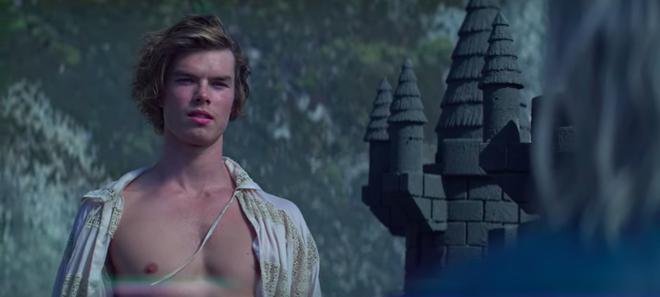 Xuất hiện trai đẹp gu mặn trong Chilling Adventures Of Sabrina mùa 3: Đẹp trai, sáu múi nhưng chỉ thích lâu đài cát? - ảnh 8
