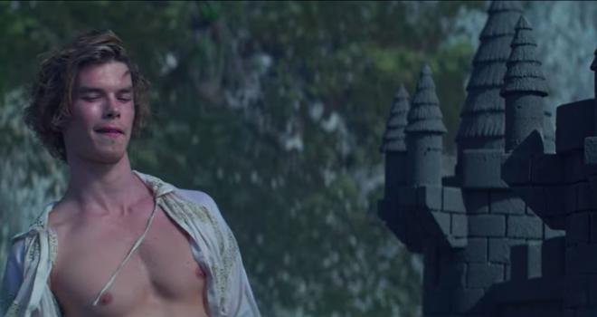 Xuất hiện trai đẹp gu mặn trong Chilling Adventures Of Sabrina mùa 3: Đẹp trai, sáu múi nhưng chỉ thích lâu đài cát? - ảnh 5