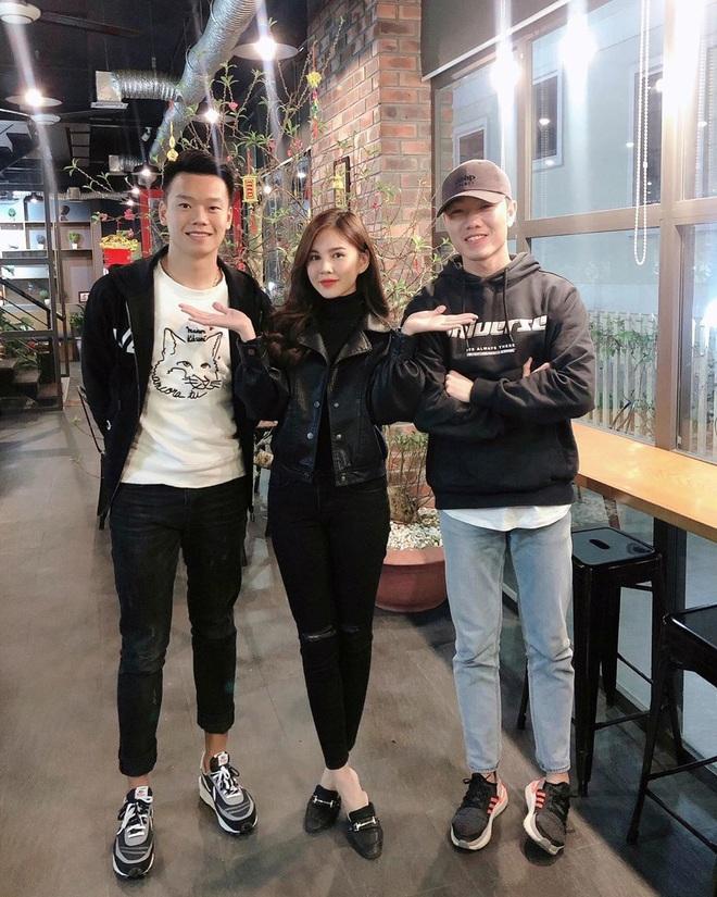 """MC Thu Hoài là """"fan girl"""" số hưởng nhất Việt Nam: Đã thân thiết với hội cầu thủ, lại còn cùng quê cả Thành Chung lẫn Xuân Trường - ảnh 1"""