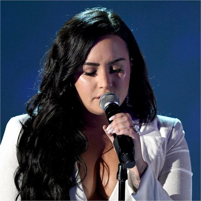 Cạch mặt nhiều năm, Selena Gomez bất ngờ gây bão khi gửi lời nhắn nhủ đến Demi Lovato: Tớ rất mừng cho cậu. - ảnh 2