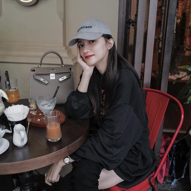 Kiểu makeup chơi Tết của loạt sao Việt: Người sắc nét hơn mọi ngày, người nhẹ nhàng mà vẫn tươi - ảnh 2