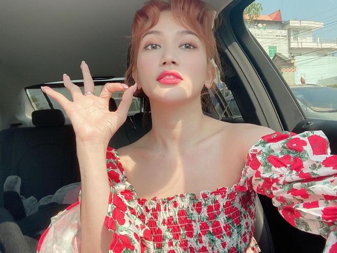 Kiểu makeup chơi Tết của loạt sao Việt: Người sắc nét hơn mọi ngày, người nhẹ nhàng mà vẫn tươi - ảnh 8