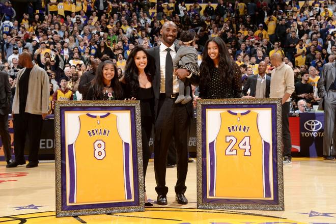 Biết được nguyên nhân Kobe Bryant sử dụng trực thăng làm phương tiện cá nhân, người hâm mộ lại càng đau lòng về cái chết của huyền thoại bóng rổ - ảnh 1