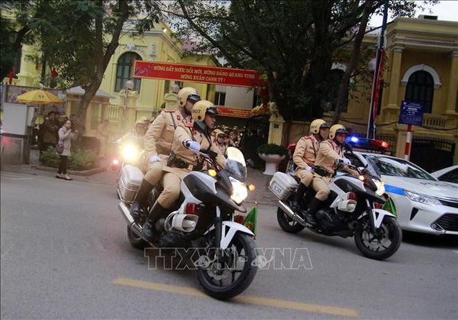 Công an Hà Nội ra quân đảm bảo an toàn giao thông đầu Xuân - ảnh 5