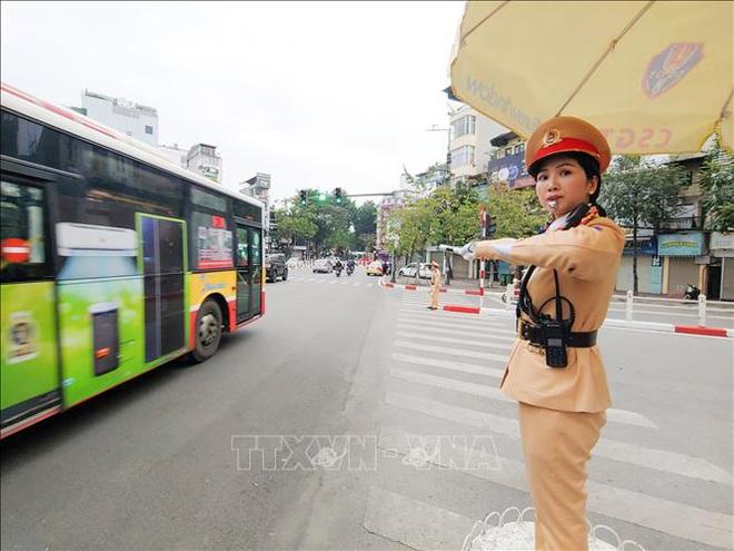 Công an Hà Nội ra quân đảm bảo an toàn giao thông đầu Xuân - ảnh 3