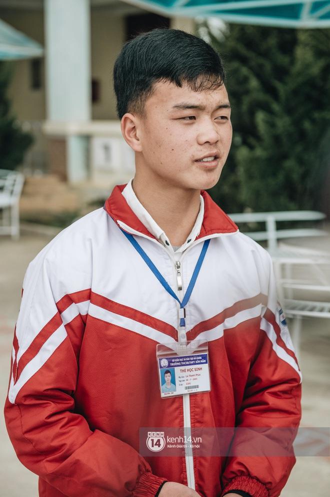 Chuyện buồn phia sau ngôi trường trên mây đẹp nhất Việt Nam: Đi bộ hàng cây số đến trường, con cái học quá giỏi lại trở thành gánh nặng cho cha mẹ - ảnh 6