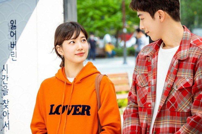 Phim mới của Suzy chưa biết thế nào nhưng style thì rất chuẩn, ưa mặc đơn giản nhưng nịnh mắt bạn hãy hóng ngay  - Ảnh 5.