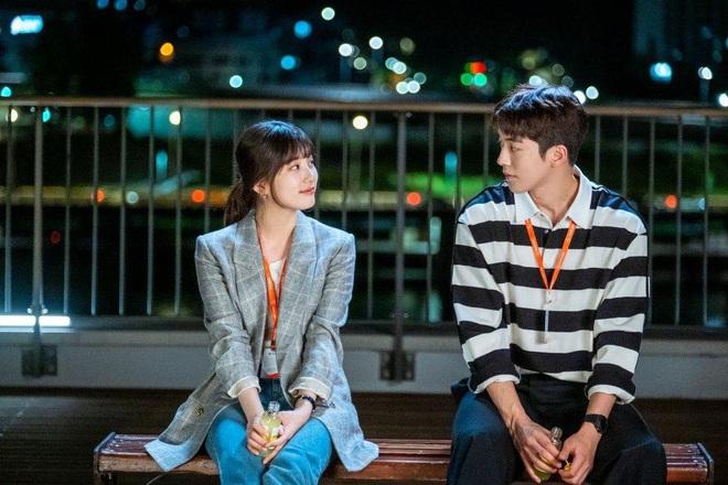 Phim mới của Suzy chưa biết thế nào nhưng style thì rất chuẩn, ưa mặc đơn giản nhưng nịnh mắt bạn hãy hóng ngay  - Ảnh 2.