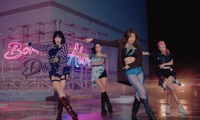 Hoá ra Lovesick Girls ban đầu tên là Lonely Girls, nghe bản demo Rosé hát xong fan hối YG phát hành luôn bản này đi! - Ảnh 2.