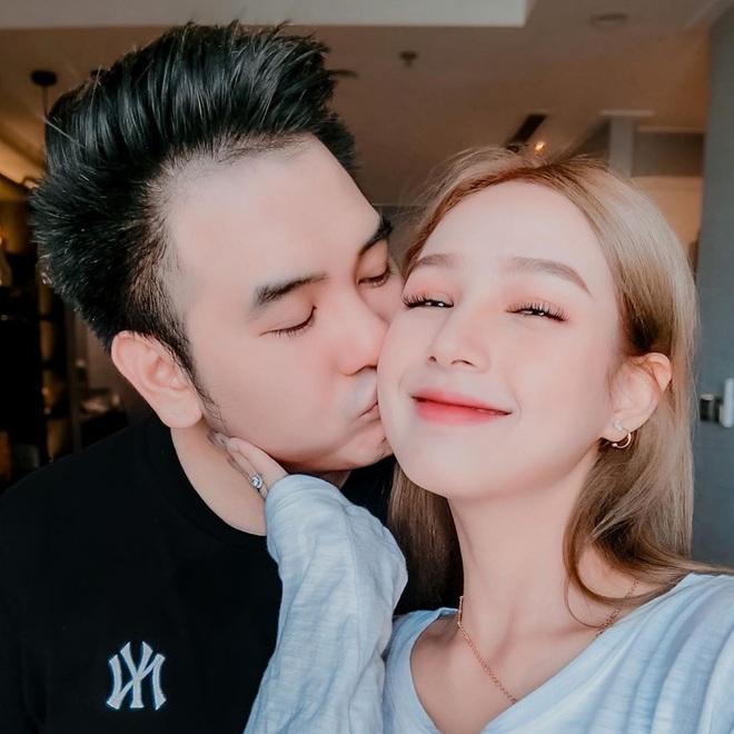 Streamer giàu nhất Việt Nam chốt ngày cưới bạn gái 2k2, dự sẽ là siêu đám cưới cực kỳ hoành tráng - Ảnh 3.