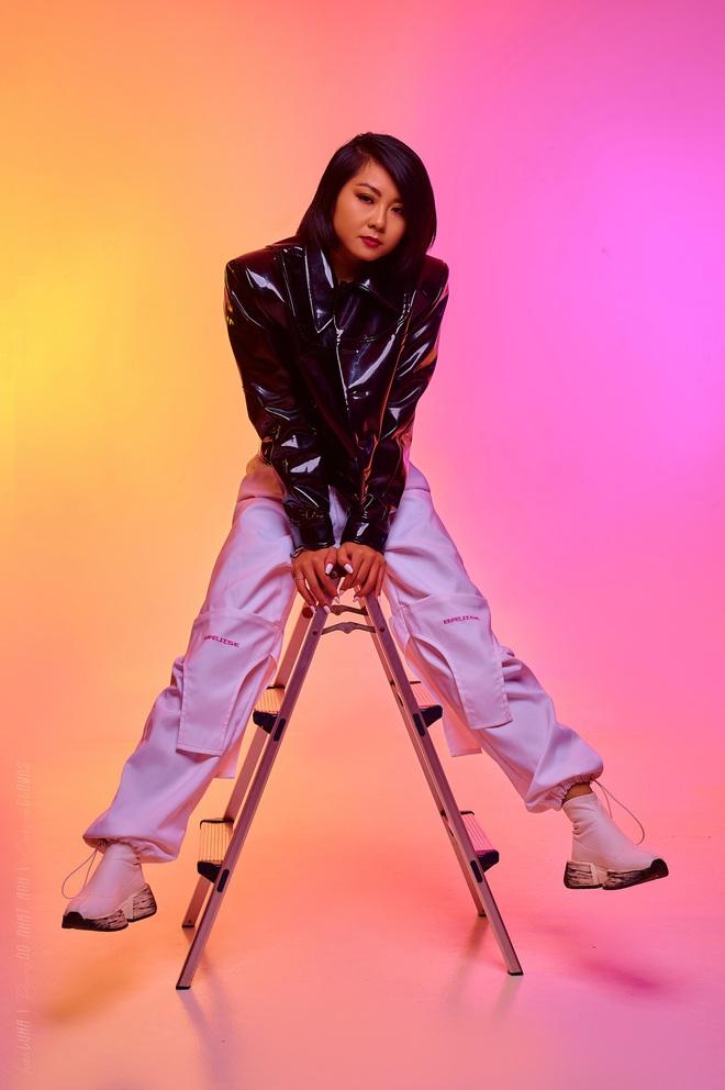 Top 10 King Of Rap: Pháo lột xác đọ vẻ quyến rũ với Á hậu Lona, HIEUTHUHAI lần đầu diện style Hip-hop - Ảnh 15.