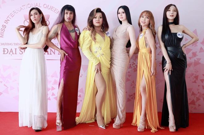 Loạt ảnh bên trong buổi workshop hé lộ nhan sắc thật dàn thí sinh Hoa hậu Chuyển giới Việt Nam, 2 mỹ nhân nổi nhất có như lời đồn? - Ảnh 8.