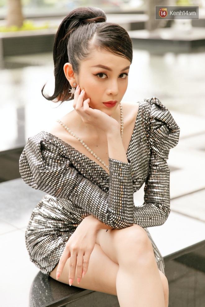 Người đẹp chuyển giới Lương Mỹ Kỳ: Hồi là con trai, mê quá nên em dành tiền làm chân mày chung chỗ chị Hương Giang - Ảnh 3.