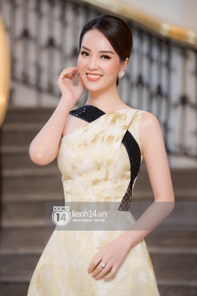 Họp báo Bán kết Hoa hậu Việt Nam 2020: Tiểu Vy đọ sắc với cả dàn hậu, Thuỵ Vân đeo nhẫn kim cương nổi bần bật - Ảnh 7.