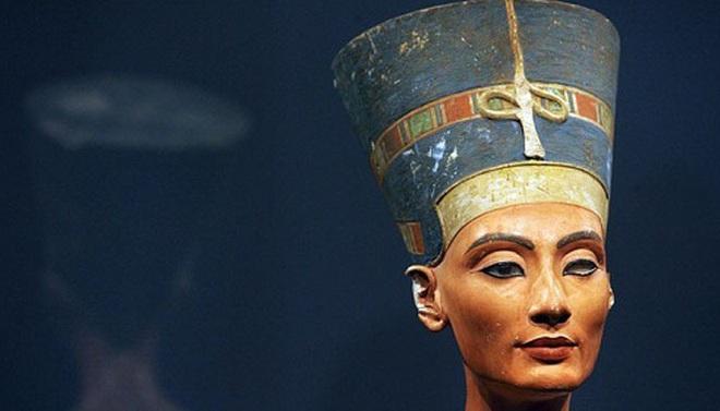 Bí ẩn về Nefertiti - nữ hoàng đẹp nhất Ai Cập với vũ điệu thoát y nổi tiếng và sự biến mất đột ngột khỏi sử sách - Ảnh 2.