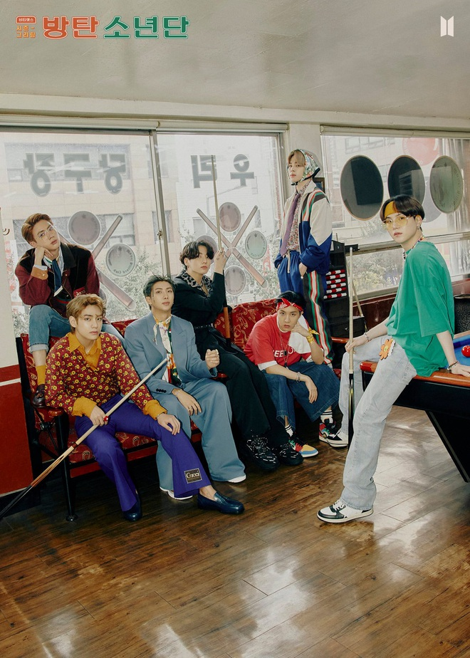 BTS tung bộ ảnh retro khoe visual làm netizen nhận nhầm... chú Ngạn, bài hát b-side đạt cột mốc khủng hâm nóng comeback! - Ảnh 2.