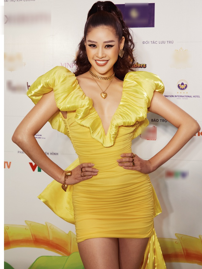 """Quân đoàn"""" Hoa hậu Á hậu đọ dáng nóng hừng hực tại sự kiện: H'Hen Niê quá ấn tượng, Tường Linh - Võ Hoàng Yến sexy không kém - Ảnh 5."""