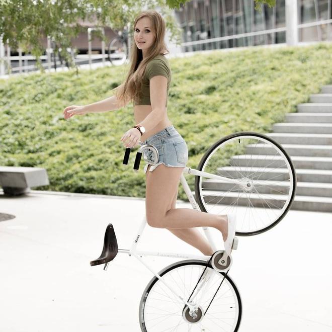 Ấn tượng với nữ hoàng xe đạp: Cô nàng xinh đẹp với theo đuổi môn nghệ thuật ít ai biết tới - ảnh 4