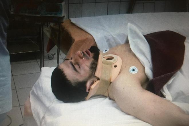 Võ sĩ gãy cổ kinh hoàng sau khi thực hiện một đòn thế lỗi, phải nhập viện khẩn cấp trong tình trạng liệt cả tay và chân - ảnh 2