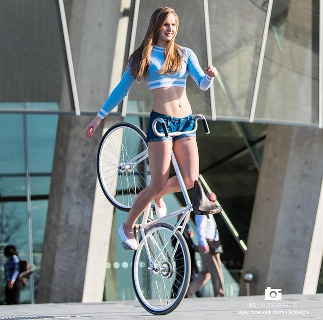 Ấn tượng với nữ hoàng xe đạp: Cô nàng xinh đẹp với theo đuổi môn nghệ thuật ít ai biết tới - ảnh 8