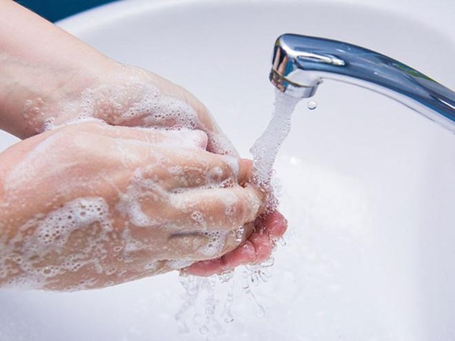 Loạt lưu ý khi vệ sinh thân thể hàng ngày để bảo vệ bản thân trong mùa dịch virus corona, bạn đã biết hết chưa? - Ảnh 4.