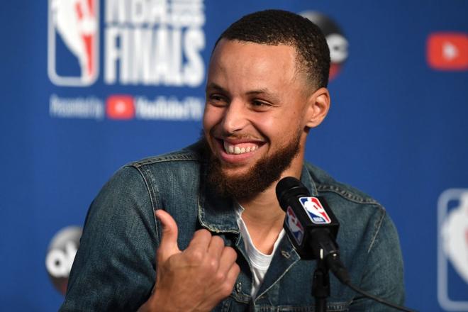 Ngôi sao bóng rổ Stephen Curry và câu chuyện tình cọc đi tìm trâu kéo dài hơn một thập kỷ khiến ai cũng phải ao ước - ảnh 3