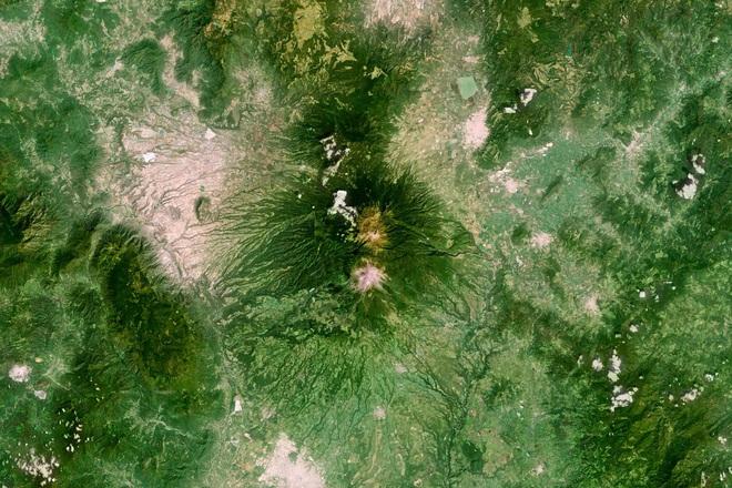 10 ảnh vệ tinh đẹp nao lòng từ Google Earth: Sự sắp đặt thần kỳ của tạo hóa xứng tầm tác phẩm triệu đô - ảnh 5