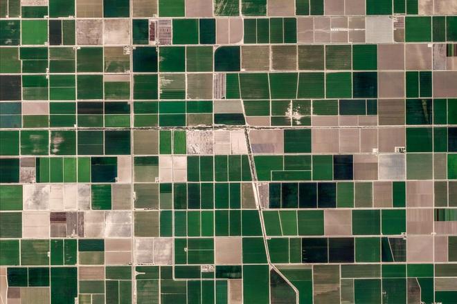 10 ảnh vệ tinh đẹp nao lòng từ Google Earth: Sự sắp đặt thần kỳ của tạo hóa xứng tầm tác phẩm triệu đô - ảnh 1