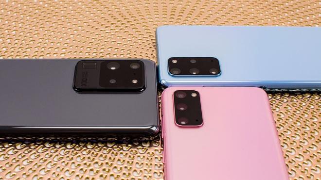 """Cuộc chiến Samsung – Apple đang khiến giá smartphone trở nên """"nực cười"""" - ảnh 2"""